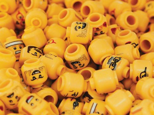 A bunch of lego heads